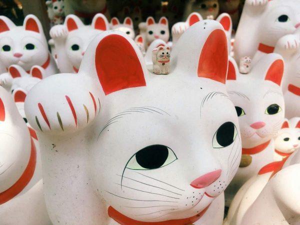 Японские фигурки кошек Maneki Neko, или манеки