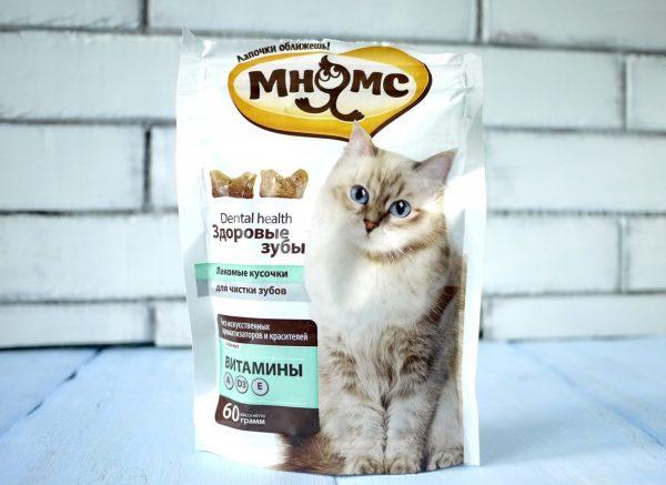 Кошачьи лакомства для чистки зубов в пакете