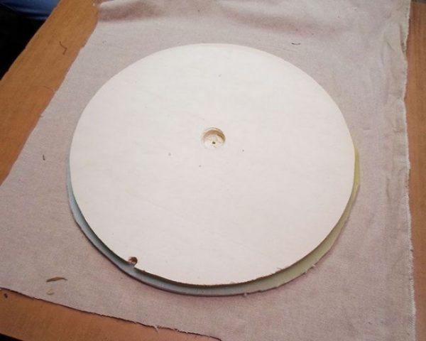 Отверстие для трубки в круглой детали