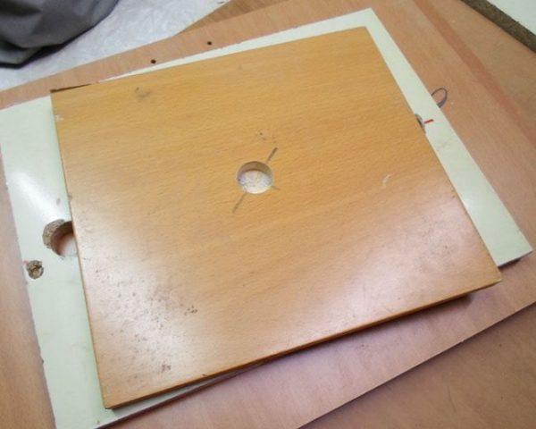 Отверстие для трубки в квадратной детали