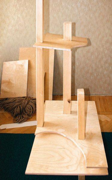 Предварительная сборка комплекса из деревянных деталей