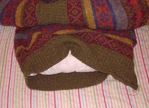 Лежанка из свитера. Шаг 5