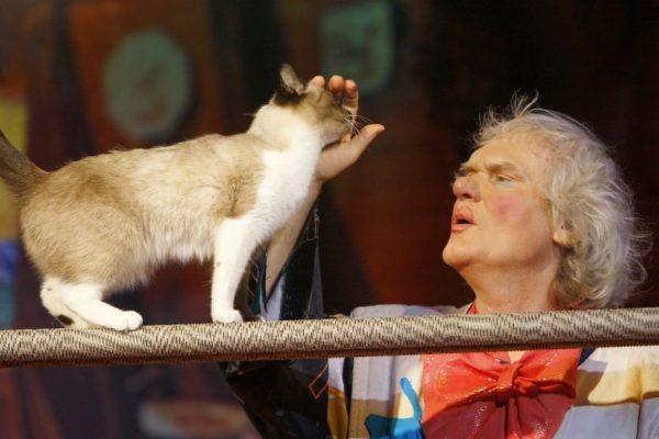 юрий куклачёв с кошкой