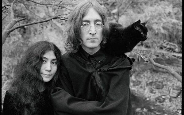 Йоко Оно, Джон Леннон и чёрная кошка