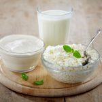кефир, сметана и молоко