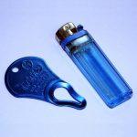 ключ-выкручиватель и зажигалка