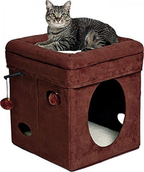 Домик для кошки с лежанкой и игрушками
