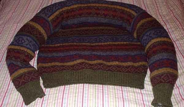 Лежанка из свитера. Шаг 3, результат