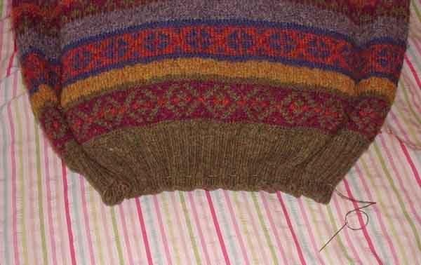 Лежанка из свитера. Шаг 6